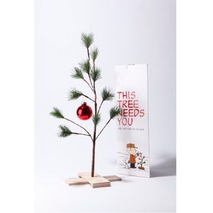 UO Charlie Brown Christmas tree decor